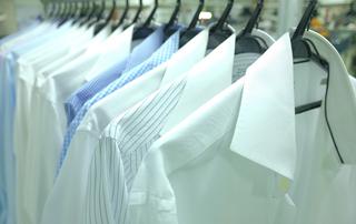 Quy trình chăm sóc áo sơmi của Giặt là Japan Laundry