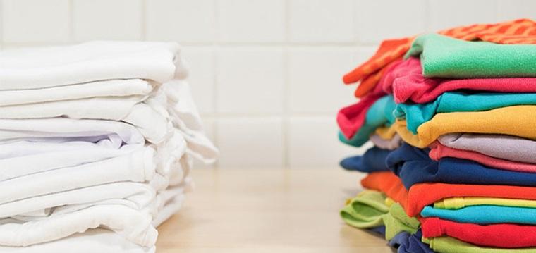 Kết quả hình ảnh cho phân loại quần áo trước khi giặt