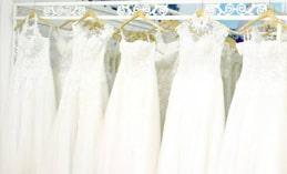 Cách giặt và bảo quản váy cưới tại nhà