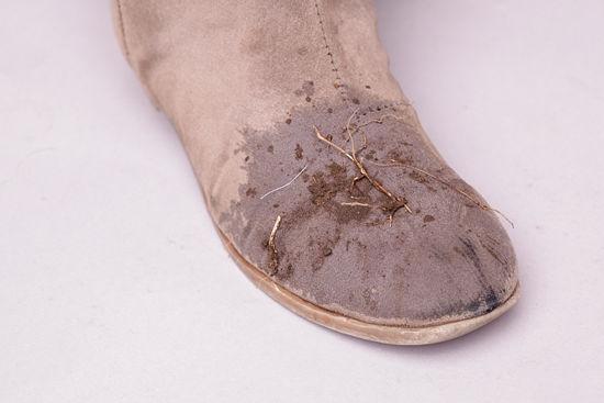 Cách làm sạch giày da lộn tại nhà hiệu quả, tiết kiệm