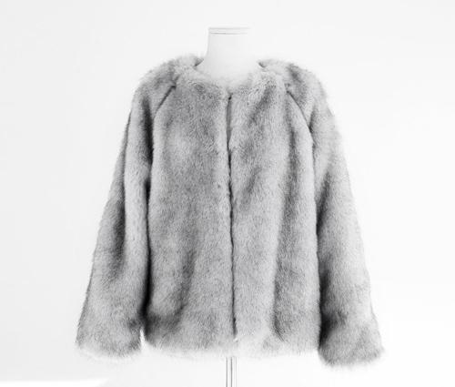 Chăm sóc áo lông thú đúng cách – Giặt là Hà Nội Japan LaunDry