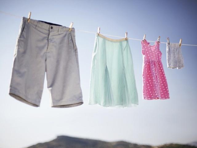Vì sao quần áo đang mặc bị mốc, một số mẹo hay tẩy mốc hiệu quả/ Giặt là Nhật Bản - Japan LaunDry