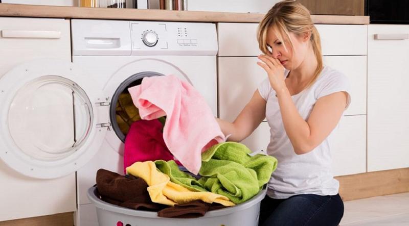 Mẹo hay loại bỏ mùi hôi khó chịu trên quần áo?