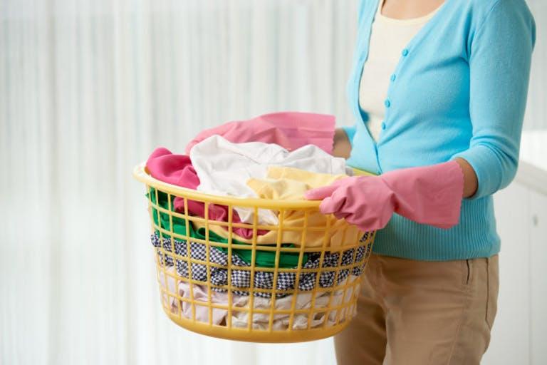 Một vài lưu ý khi giặt quần áo trong mùa dịch nhất định bản phải biết