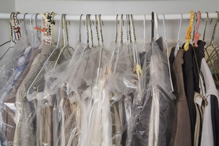 Japan Laundry chia sẻ lưu ý khi mang quần áo đi giặt khô ở tiệm