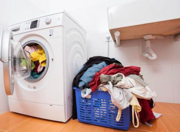 Hướng dẫn phân loại quần áo trước khi giặt máy giặt